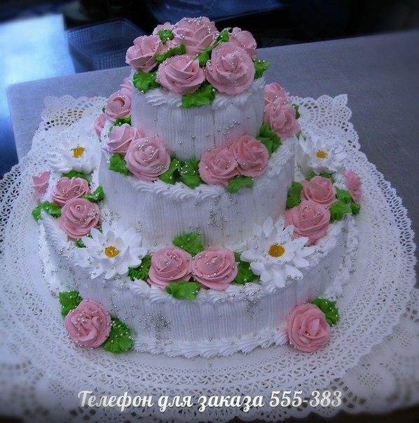 Бисквитный трехъярусный торт фото