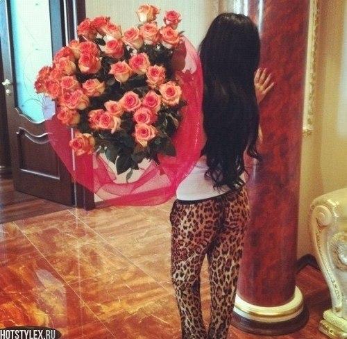 Картинки девушки с цветами