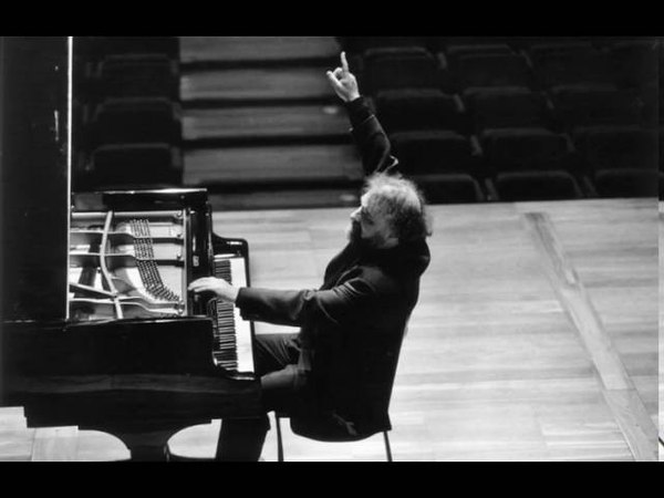 Radu Lupu - Grieg Piano Concerto, op 16 - live 1975