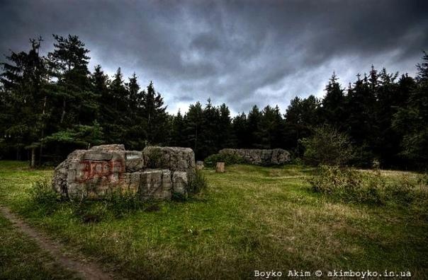 24 жутких места Украины, от которых стынет кровь в жилах Боитесь ли вы темноты Украина страна не только невероятных пейзажей, но и страна с древней историей. А это значит, что в нашей стране за