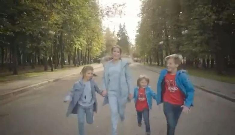 Yulia Baranovskaya on Instagram От всей души поздравляю всех с Днём Матери ❤️❤️❤️❤️❤️❤️❤️ Спасибо всем мамам за жизнь за вашу Любовь за ваши