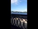 прогулка по набережной около реки волги