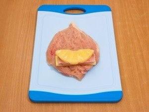 Куриное филе, фаршированное сыром, ветчиной и ананасами Ветчина,