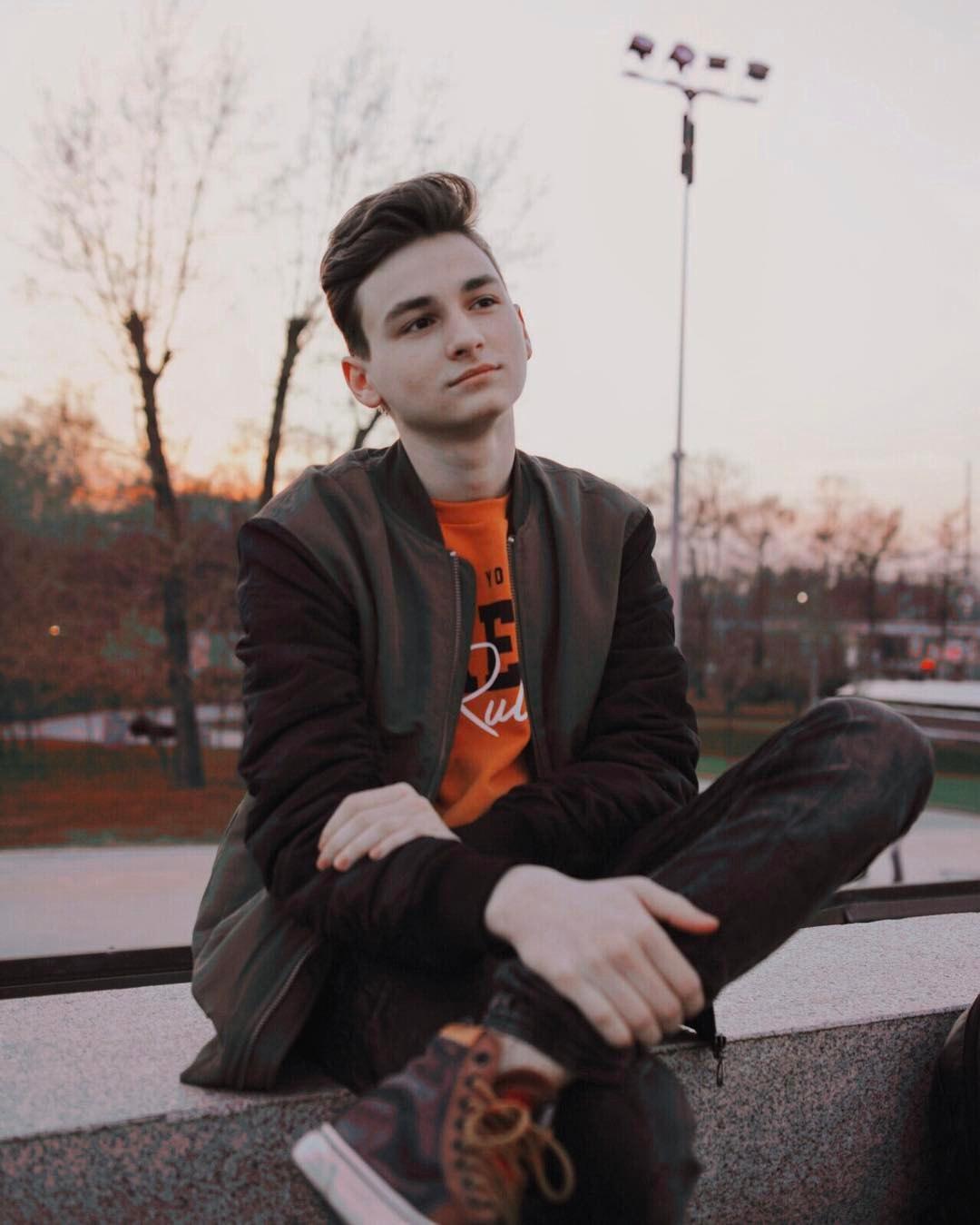 Блогера Макса Тарасенко задержали за вождение без прав в нетрезвом виде