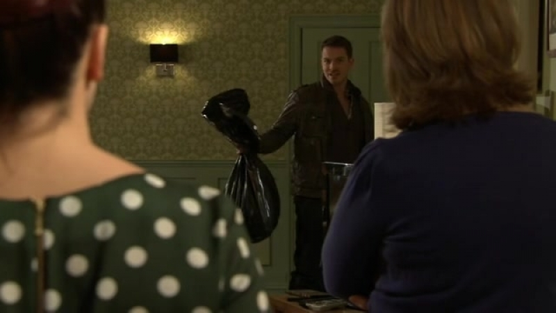 Hollyoaks episode 1.3274 (2012-02-09)