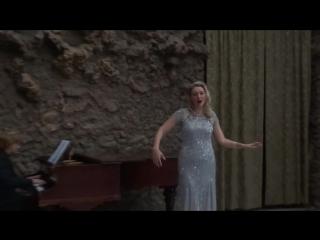 Валентина Феденёва поёт выходную арию Сильвы