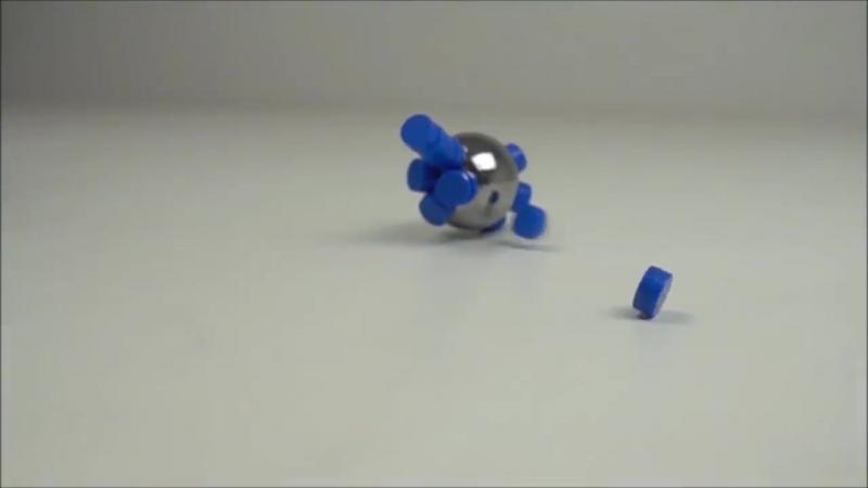 Столкновение магнитов в замедленном съемке