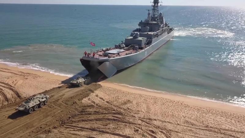 Морпехи армейского корпуса Черноморского флота в рамках учения захватили плацдарм и оборудовали укрепрайон на полигоне Опук в Кр