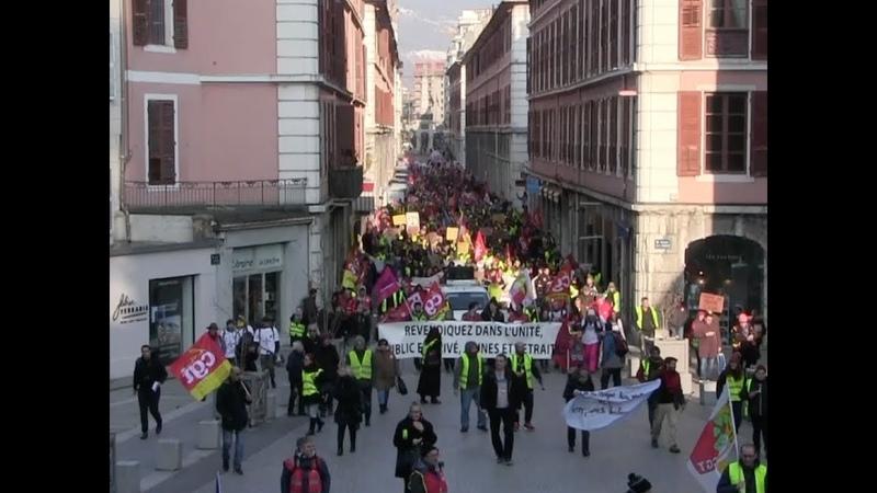 1ère manifestation Gilets Jaunes et Syndicats côte à côte à Chambéry