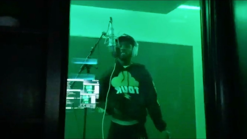 Tory Lanez shows his recording process [Lets fans choose the beat and title Time Away]