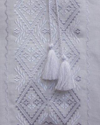 белое на белом по белому белым: