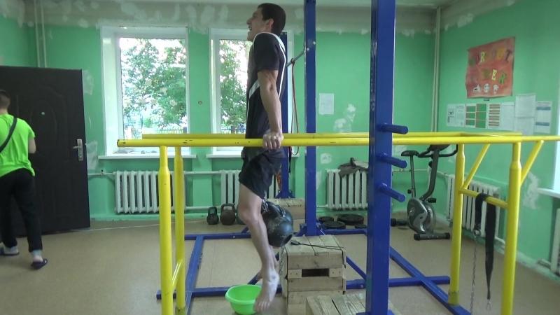 Известный северский покоритель турников Иван Копанев готовится к отбору на чемпионат России по воркауту в троеборье
