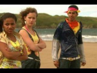 Араб трахнул 2 малолеток школьниц прямо на пляже ( секс порно.