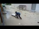 Дети и дождь на Маафуши. Это Мальдивы, детка !