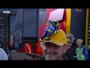 Seorang penggemar Valentino Rossi mengenakan sebuah topi yang unik di MotoGP Jerman 2017