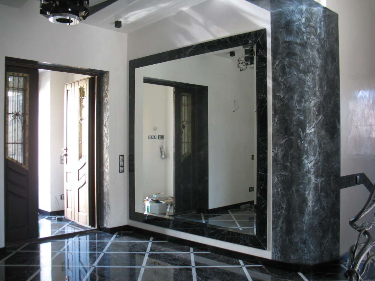 Дизайн зеркала в прихожей фото
