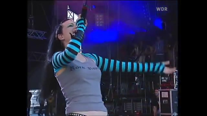 Evanescence - Going Under (Live at Rock Am Ring, 2003)[via torchbrowser.com]