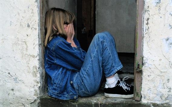 В Дмитровском районе мужчина дважды изнасиловал 10-летнюю дочь сожительницы