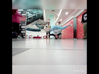 B-girl Lucky Headspin Ривьера