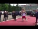 Лукашенко забивает пяткой талисману ЧМ