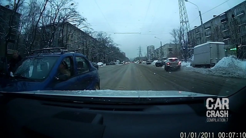 Будьте внимательными, дорога полна неожиданностей и водителей неадекватов!