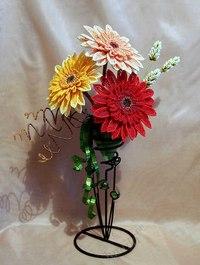 Герберы из бисера.  Мастер - класс.  Для изготовления одного цветка герберы своими руками Вам потребуются следующие...
