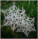 Схемы серег из бисера в форме снежинок будут такими же, как и обычные.