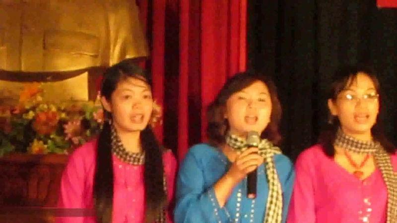Bài hát Cô Gái Sài Gòn Đi Tải Đạn của nữ cán bộ Trường Đại học Lâm nghiệp