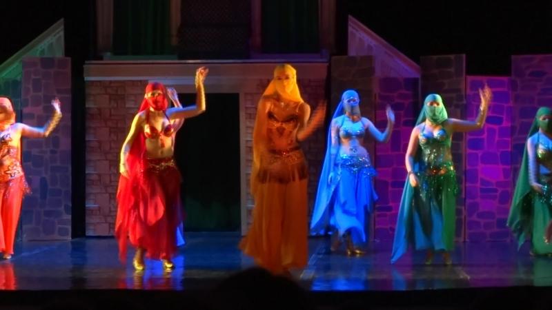 7. Восточный танец.Балет Троя / Дочь Изабелла Спехова в жёлтом.