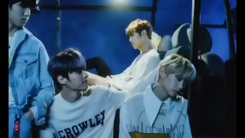 THEY HAD A FRAME OF JEONGIN HUGGING HYUNJIN AND FELIX'S HAIR BEING GENTLY PETTED BY MINHO