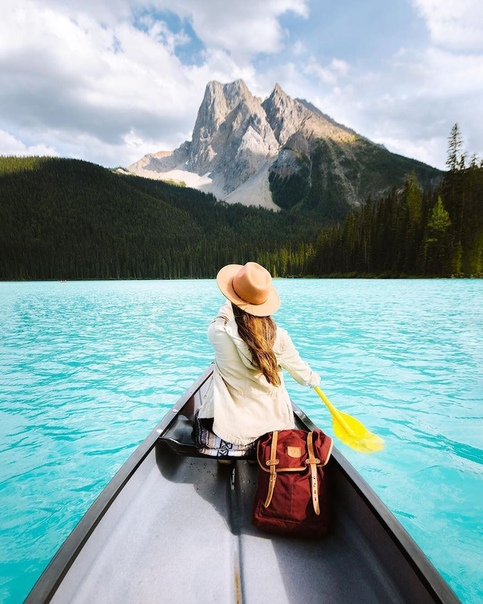 Озеро Эмеральд (Национальный парк Йохо, Британская Колумбия, Канада)