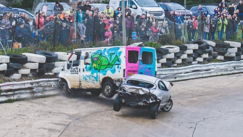 Banger Racing Angmering Oval Raceway Caravan Bangers 30th December 2018