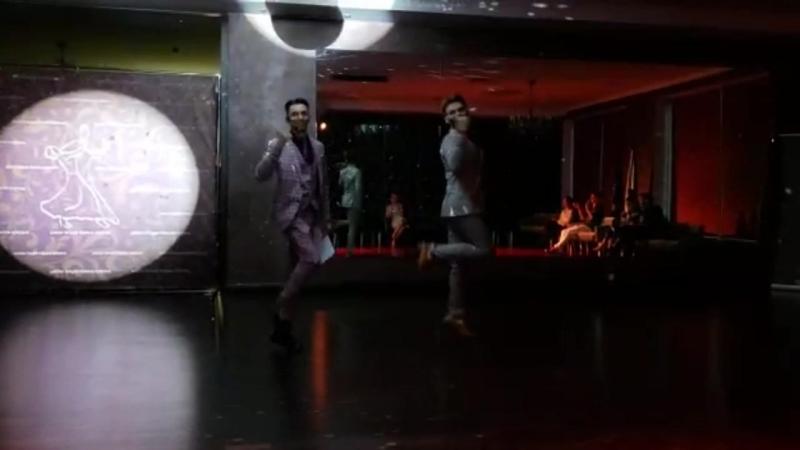 Танец ведущих Вокруг света Школа танцев Романа Ковгана