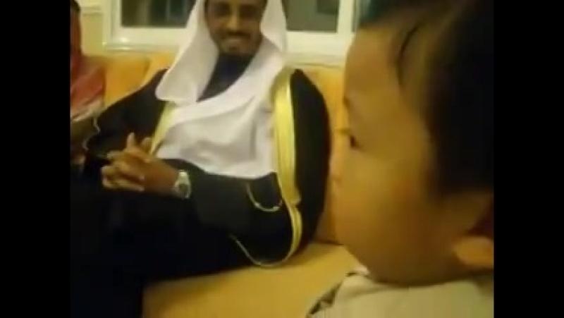 Ему всего 3 года а знает весь Коран наизусть .мечта каждого мусульманина☝️😓 201