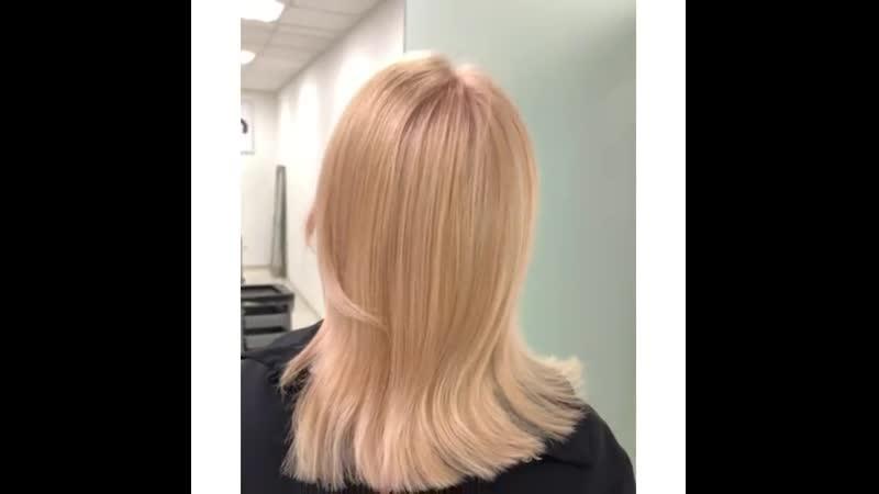 На днях у нас с девочками случилась блондирующая вечеринка 🥳 Нужно было отработать пару приёмов блондирования для курса колори