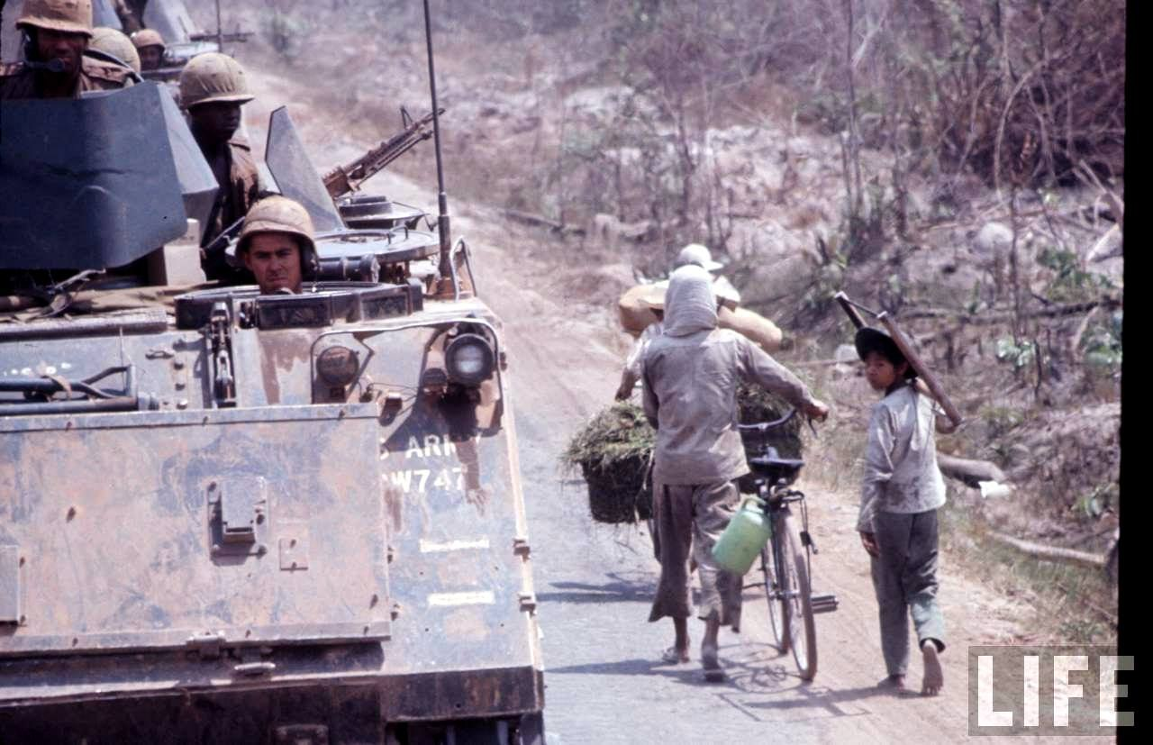 guerre du vietnam - Page 2 5CnQElpu5uY