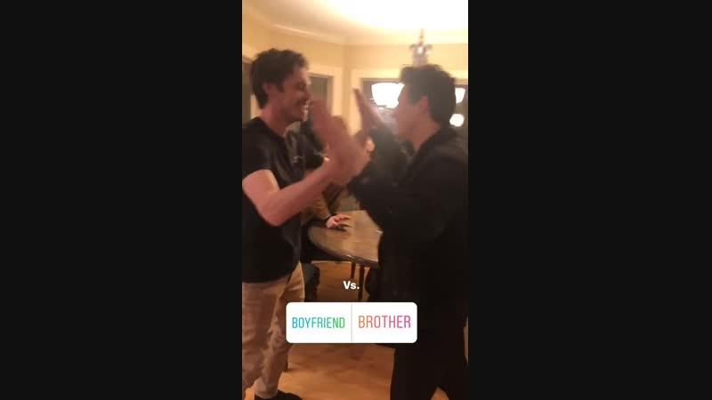 Публикации в Instagram Stories Нейтана Хлои и Обри Морган за 5 1 19