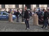 Milan squad arrive at Quirinal Palace in Rome to meet Italian president Sergio Mattarella [via @SimoneGambino] -
