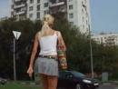 Ветер шалун Ветер под юбкой skirt windy Под юбкой апскирт классной попки Засвет трусиков под юбкой Upskirt panties порно