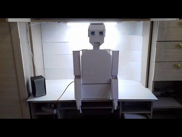 Белогорский школьник сконструировал говорящего робота