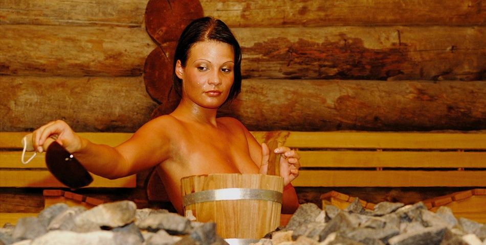 Попарились с женой в бане фото видео, круглые жопы в сперме фото
