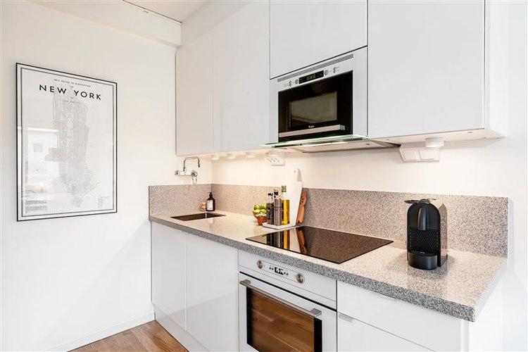 Квартира-студия 27 м Г-образной планировки в Стокгольме / Швеция.