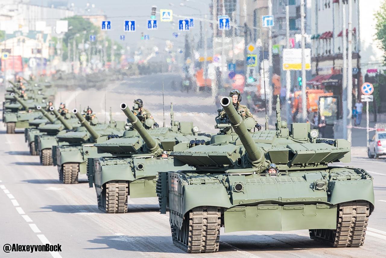 الدفاع الروسية تنشر صورا للعرض العسكري التجريبي الخاص باحتفالات عيد النصر OEXeLp8GuLE