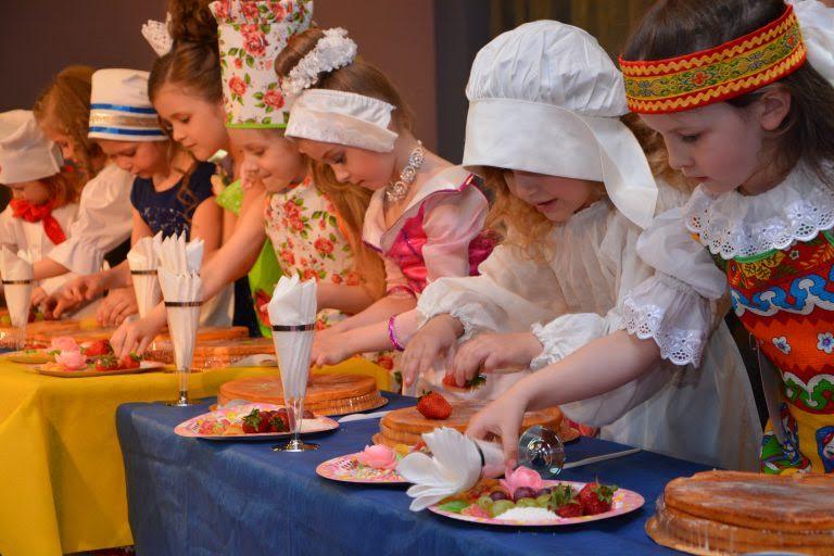 На фото: Проводится кулинарный конкурс