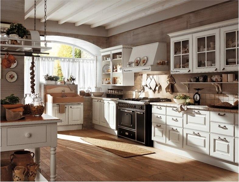 Деревянная белая кухня
