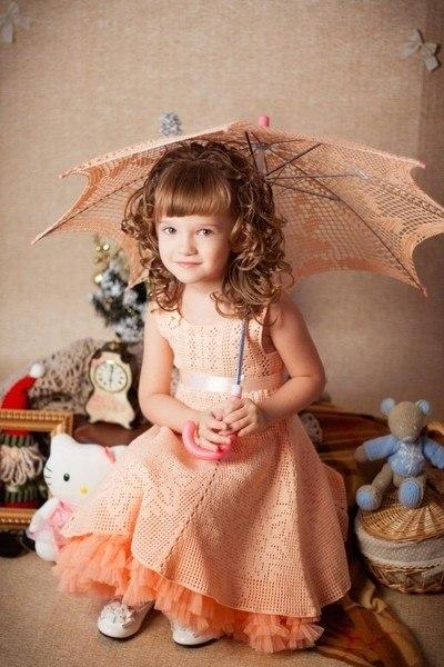 Красивое платье на девочку крючком в филейной технике…. (3 фото) - картинка