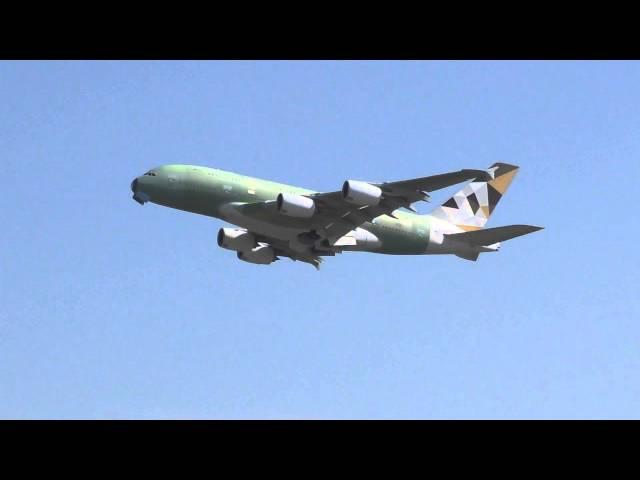 A 380 Etihad Airways A6-APD