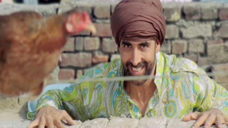 Akshay Kumar chasing a Hen - Singh Is Kinng, Comedy Scene 1/24