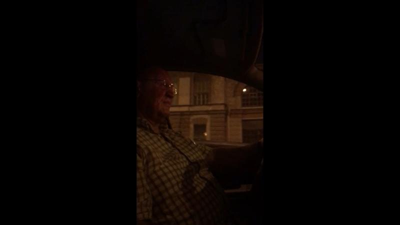 Бешеный таксист СПБ подрезал бэху 😂😎🤟