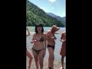 Купания в озеро Рица